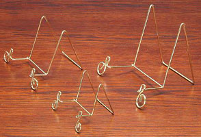 "Plate Stands:  Brass Wire ""Music Notation"" Scroll Easels"