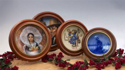 Round Hard Wood Collector Plate Frames  sc 1 st  The Plate Lady & Collector Plate Frames Wood Plate Frames Round Plate Frames Oval ...